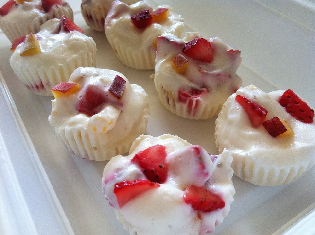Frozen Strawberry Peach Yogurt Cups - Cooking with a Wallflower