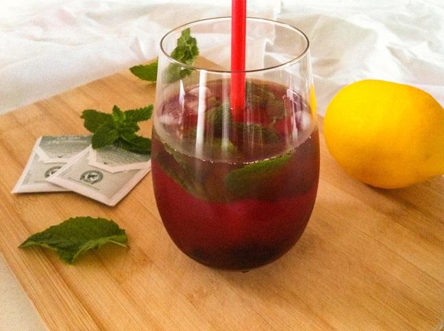 Blackberry Mint Iced Tea Lemonade | Cooking with a Wallflower