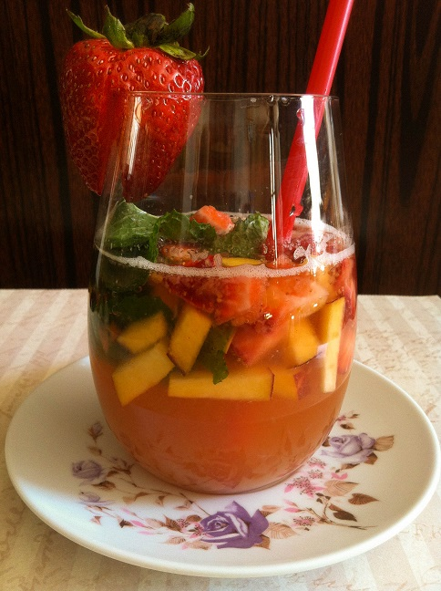 Peach Strawberry Mint Infused Club Soda | Cooking with a Wallflower