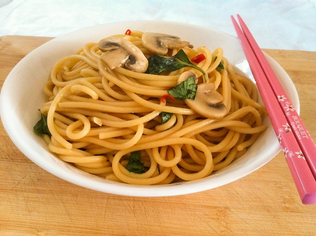 Basil Garlic Noodle | Cooking with a Wallflower
