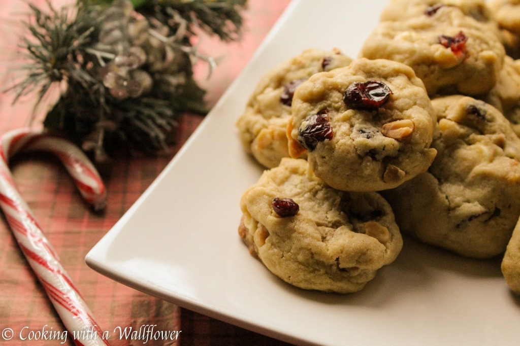 Cranberry White Chocolate Macadamia Nut Cookies | Cooking with a Wallflower