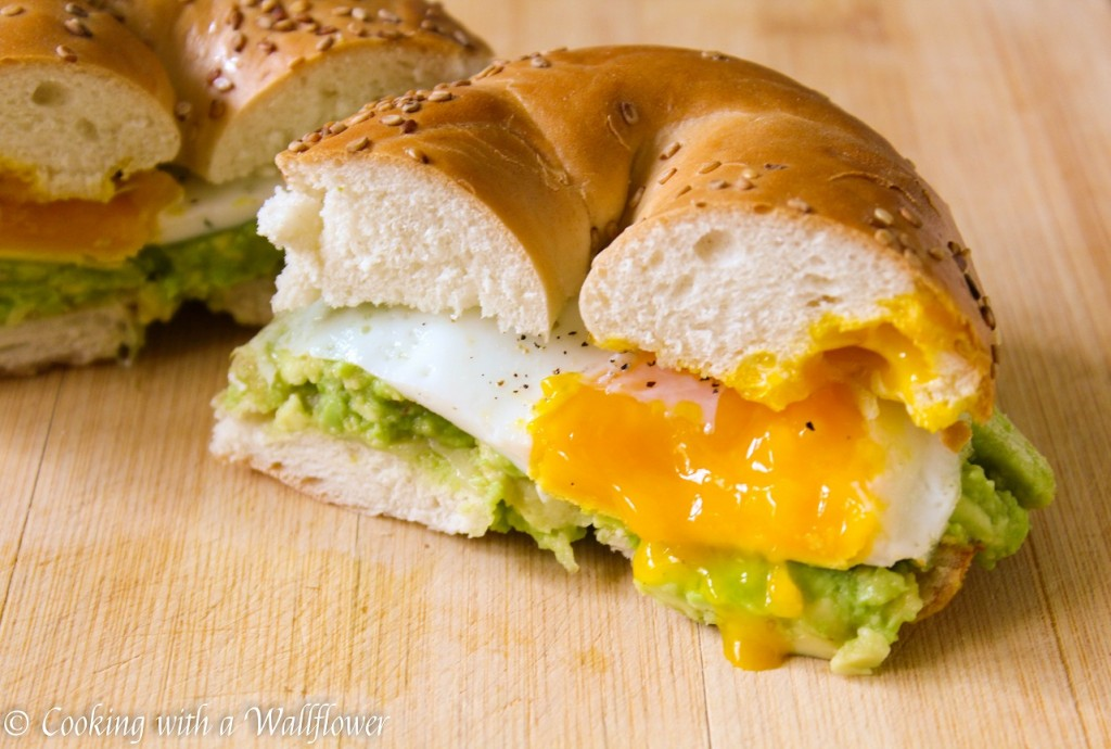 Mashed Avocado and Egg Breakfast Sandwich | Cooking with a Wallflower