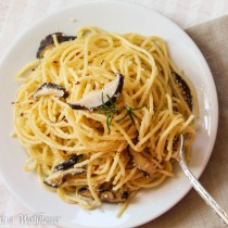 Shiitake Mushroom Garlic Parmesan Noodles | Cooking with a Wallflower