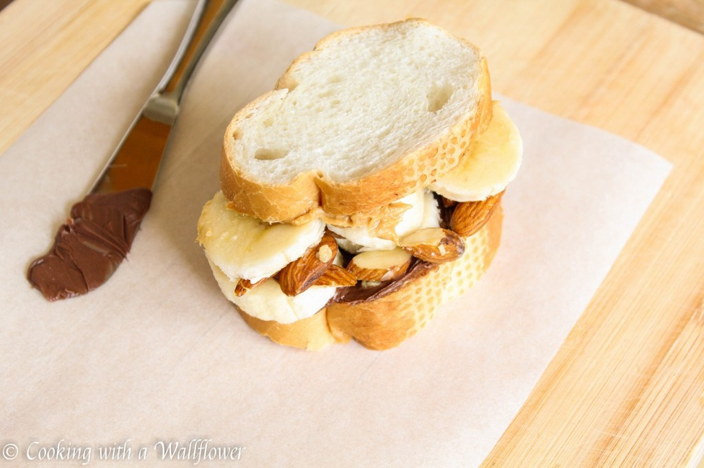 Peanut Butter Nutella Banana Toast Sandwich | Cooking with a Wallflower