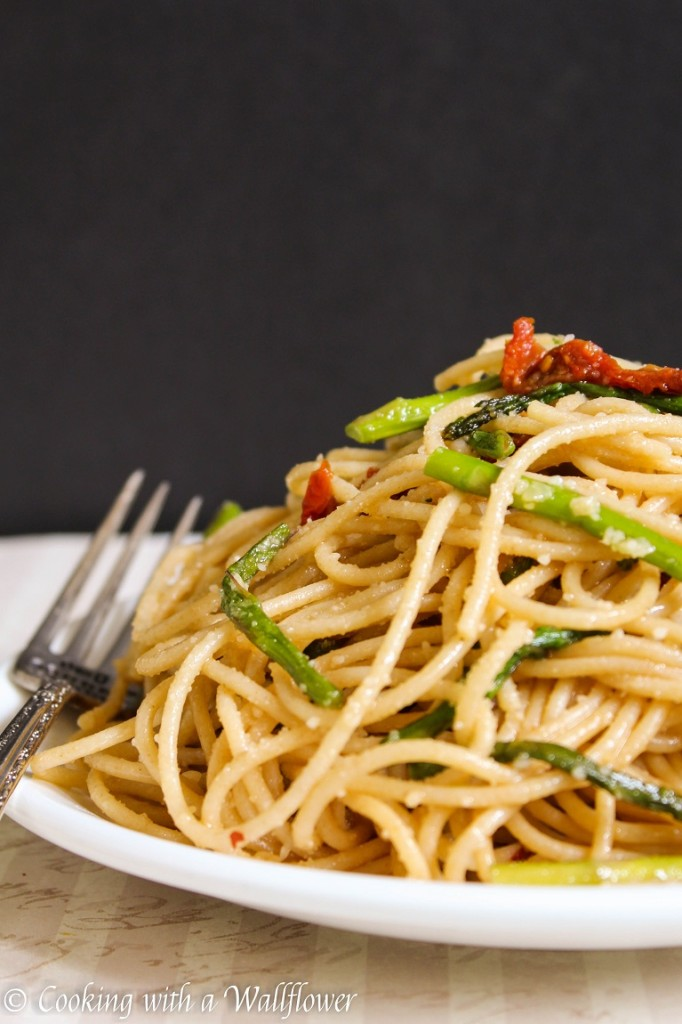 Roasted Asparagus and Sun-Dried Tomato Pasta | Cooking with a Wallflower