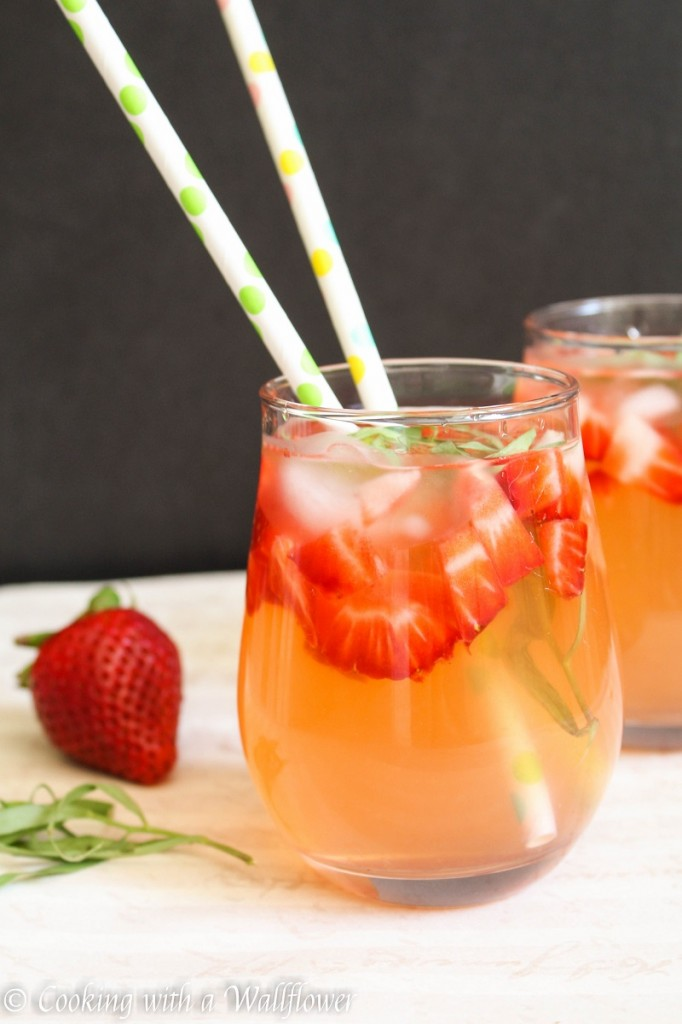 Strawberry Tarragon Lemonade | Cooking with a Wallflower