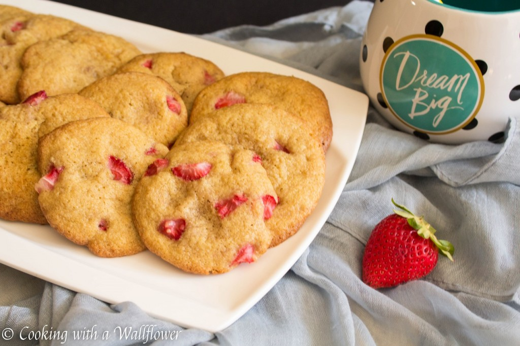 Strawberry Cookies | Cooking with a Wallflower