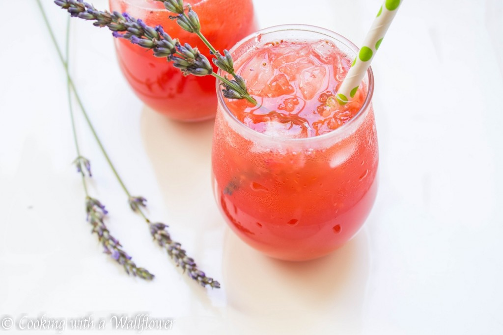 Strawberry Lavender Lemonade | Cooking with a Wallflower