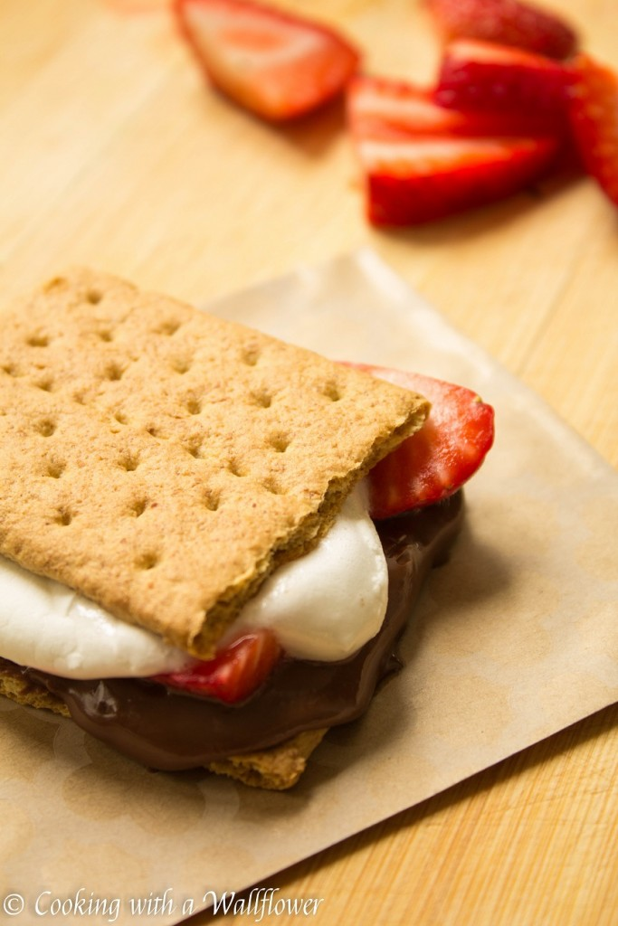 Chocolate Covered Strawberries S'mores | Cooking with a Wallflower