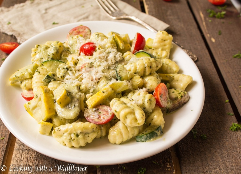 Creamy Pesto Gnocchi with Seasonal Vegetables | Cooking with a Wallflower