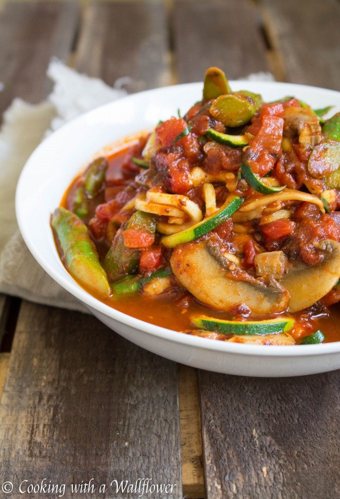 Zucchini Noodles in Spicy Chipotle Tomato Sauce with Asparagus and Mushrooms | Cooking with a Wallflower