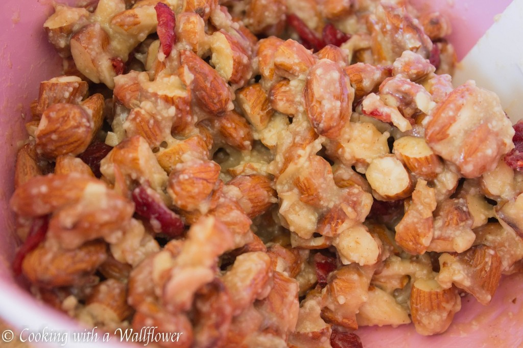 Cranberry Almond Snack Bars | Cooking with a Wallflower