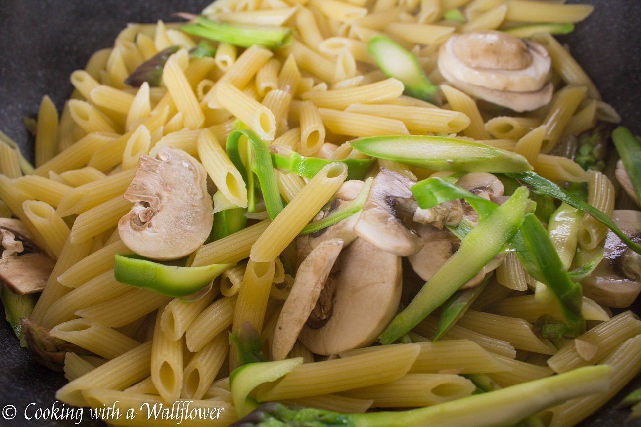 Penne in spicy marinara sauce with fresh asparagus penne in spicy marinara sauce with fresh asparagus and mushroom cooking with a wallflower ccuart Image collections