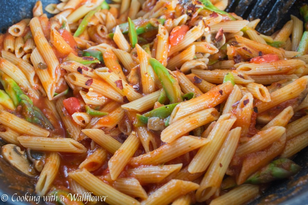 Penne in Spicy Marinara Sauce with Fresh Asparagus and Mushroom | Cooking with a Wallflower