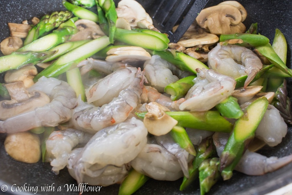 Shrimp Teriyaki Udon with Asparagus and Mushrooms | Cooking with a Wallflower