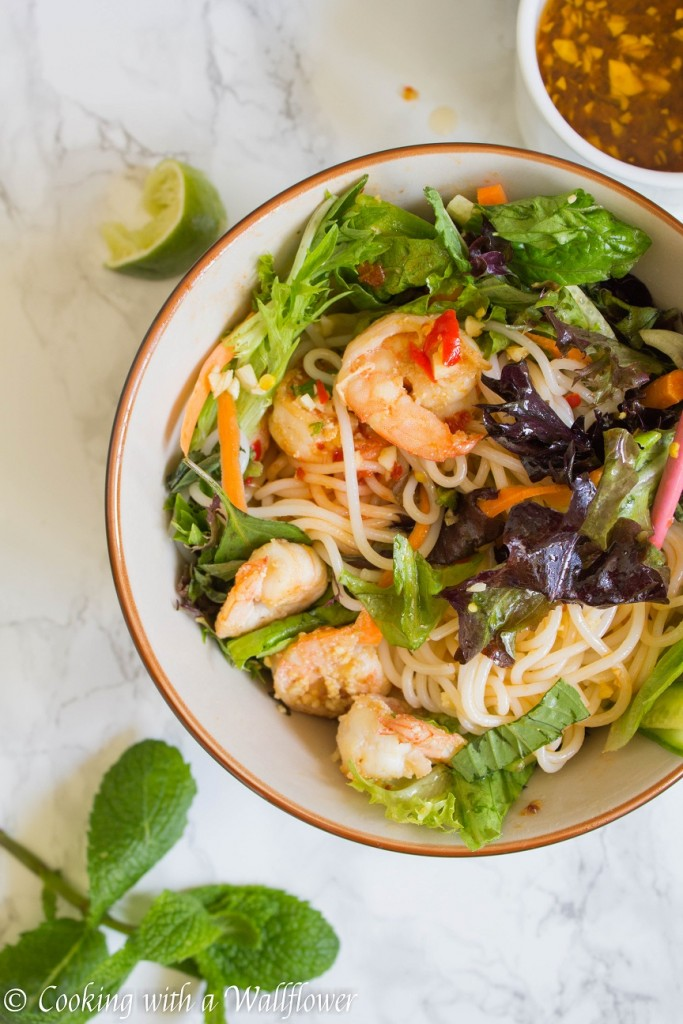Garlic Shrimp Spring Roll Bowls with Garlic Tamarind Vinaigrette | Cooking with a Wallflower
