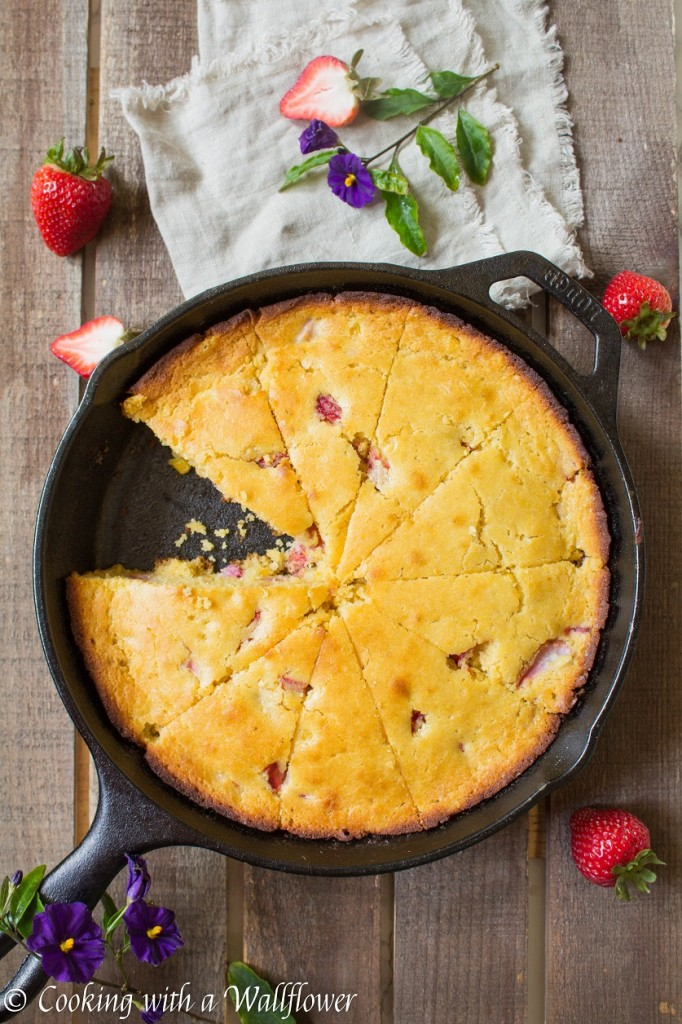 Honey Strawberry Skillet Cornbread | Cooking with a Wallflower