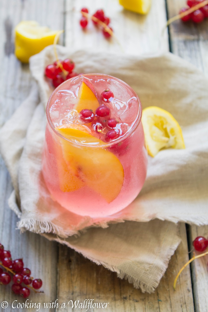 White Zinfandel Sangria Lemonade | Cooking with a Wallflower