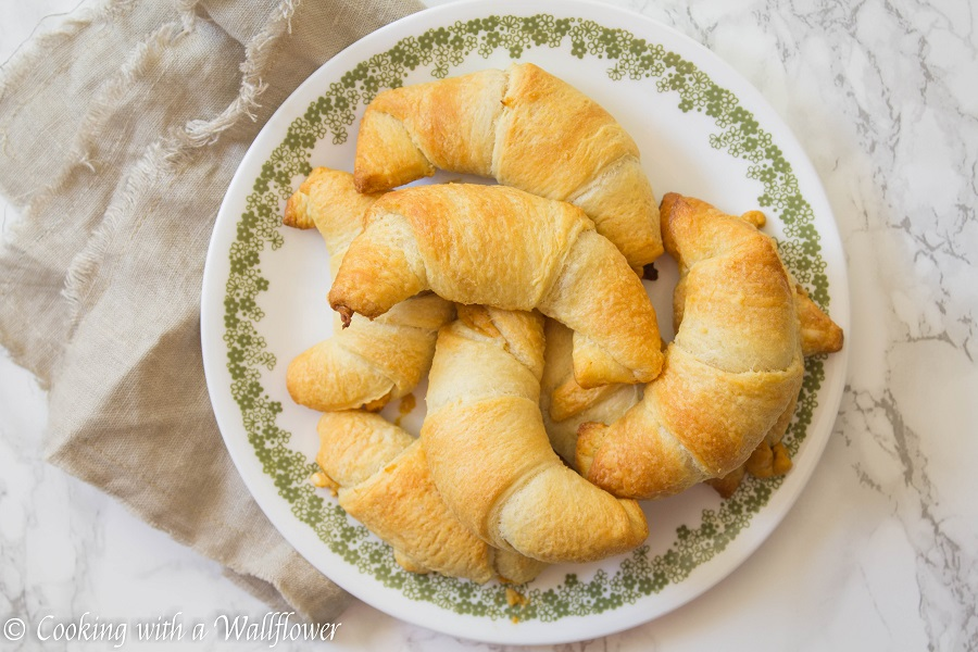 Maple Pumpkin Cream Cheese Filled Crescent Rolls | Cooking with a Wallflower