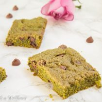 Green Tea Chocolate Chip Cookie Bars | Cooking with a Wallflower