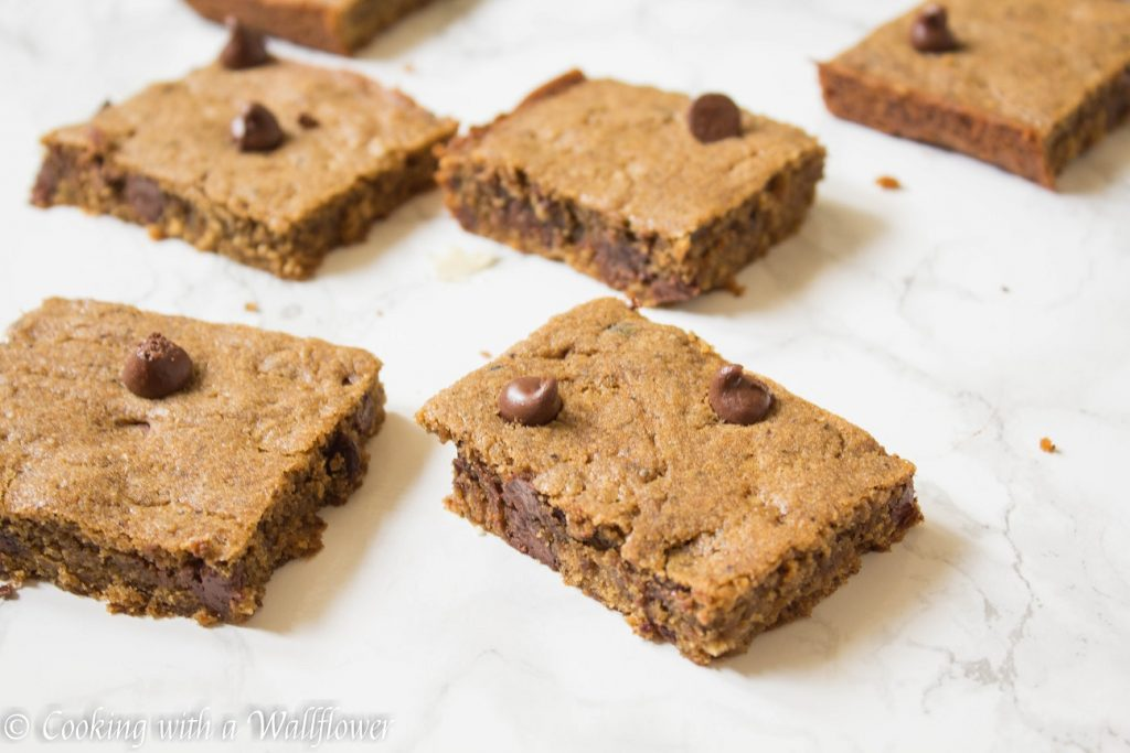 Mocha Chocolate Chip Cookie Bars  | Cooking with a Wallflower