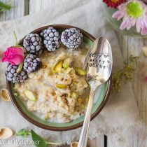 Maple Vanilla Steel Cut Oatmeal | Cooking with a Wallflower