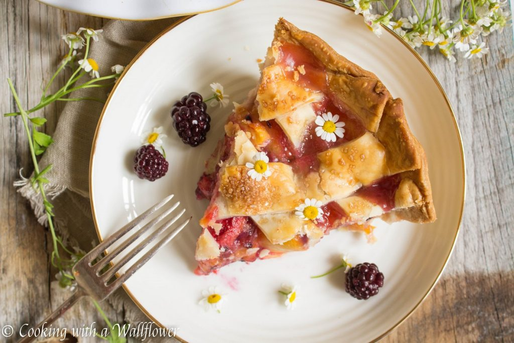 Blackberry Peach Pie | Cooking with a Wallflower
