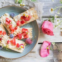 Honey Strawberry Brie Bites | Cooking with a Wallflower
