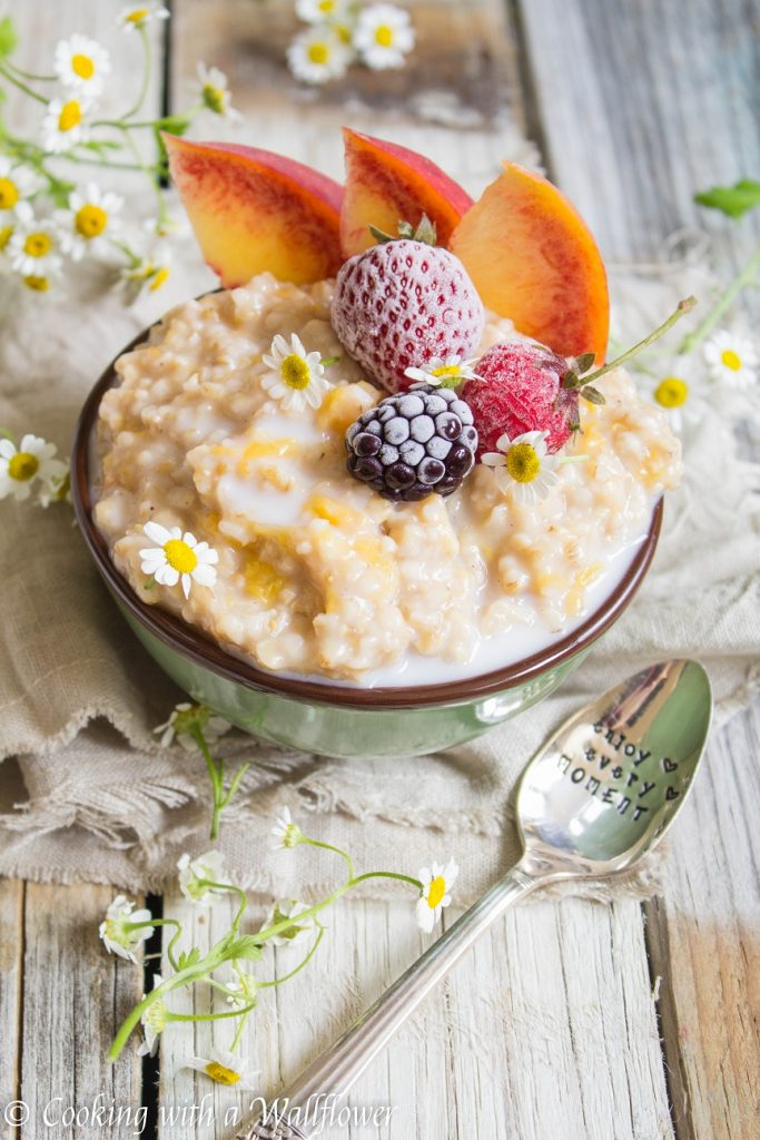 Peaches and Cream Steel Cut Oatmeal  | Cooking with a Wallflower