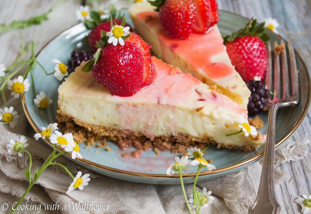 Small Batch Vanilla Cheesecake with Strawberry Rosé Wine Sauce | Cooking with a Wallflower