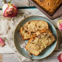 Apple Cinnamon Bread | Cooking with a Wallflower