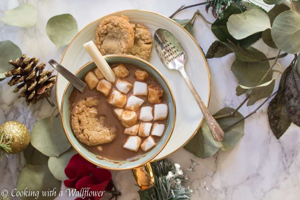 Hot Chocolate Oatmeal Latte | Cooking with a Wallflower
