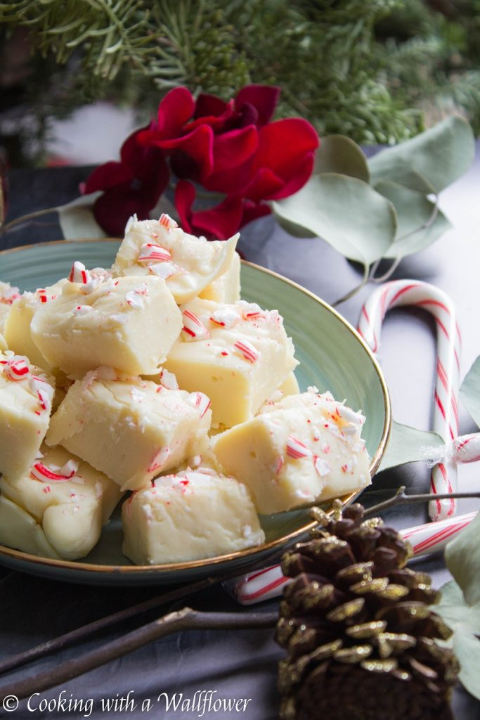 Peppermint White Chocolate Fudge | Cooking with a Wallflower