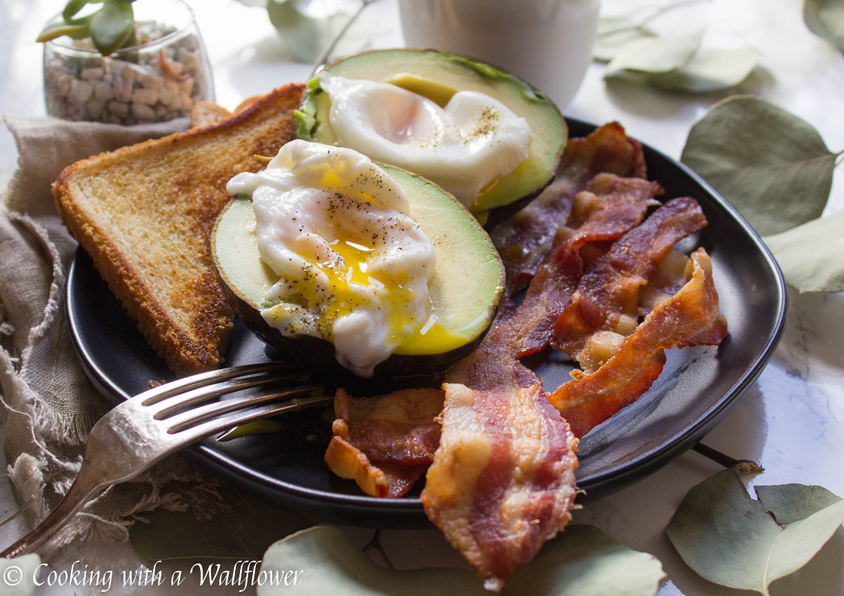 Poached Eggs in Avocado with Bacon and Buttered Toast
