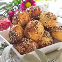 Everything Spice Soft Pretzel Bites | Cooking with a Wallflower