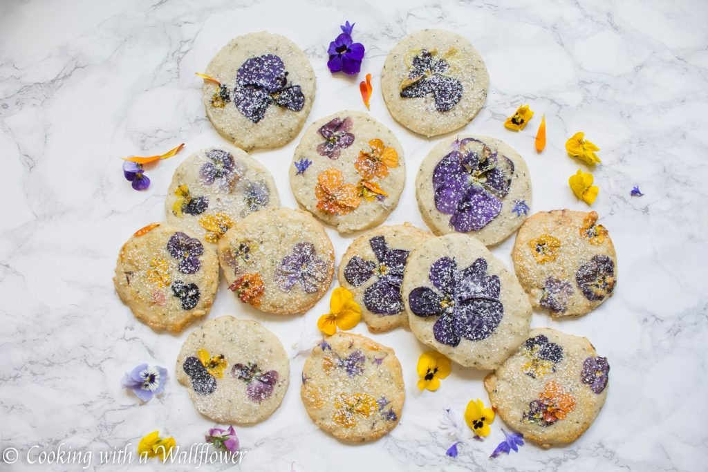 Flower Pressed Jasmine Tea Shortbread Cookies | Cooking with a Wallflower