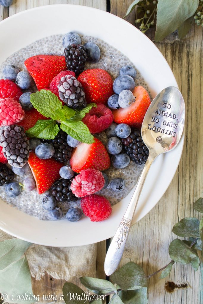 Mixed Berries Chia Pudding Bowl | Cooking with a Wallflower