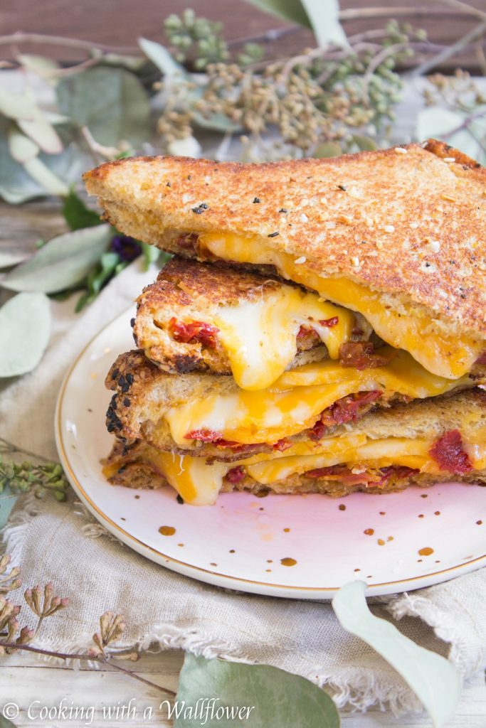 Sun-Dried Tomato Grilled Cheese Sandwich | Cooking with a Wallflower