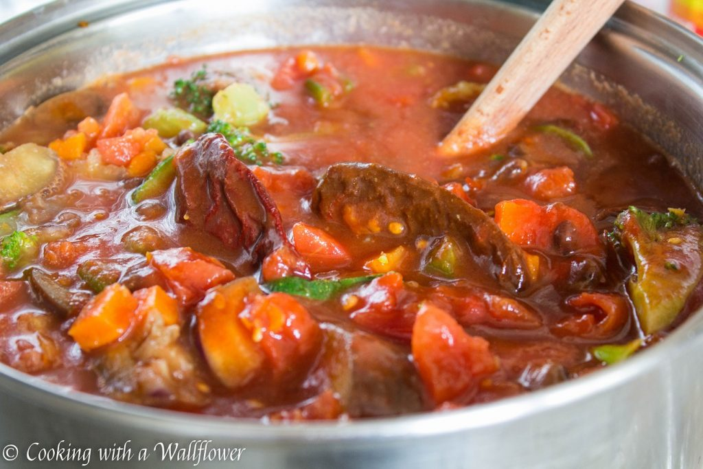 Vegetable Medley Chili  | Cooking with a Wallflower