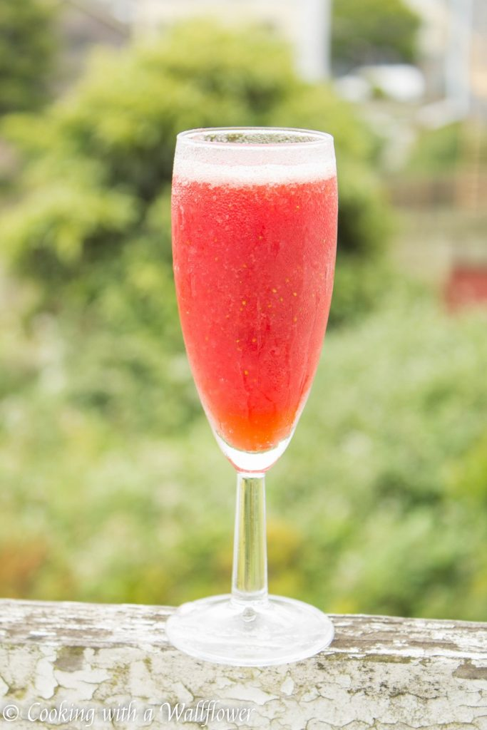 Strawberry Elderflower Frosé | Cooking with a Wallflower
