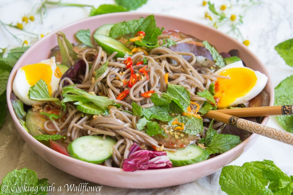Heirloom Tomato Soba Noodle Salad | Cooking with a Wallflower
