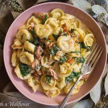 Creamy Sun Dried Tomato Spinach Tortellini | Cooking with a Wallflower