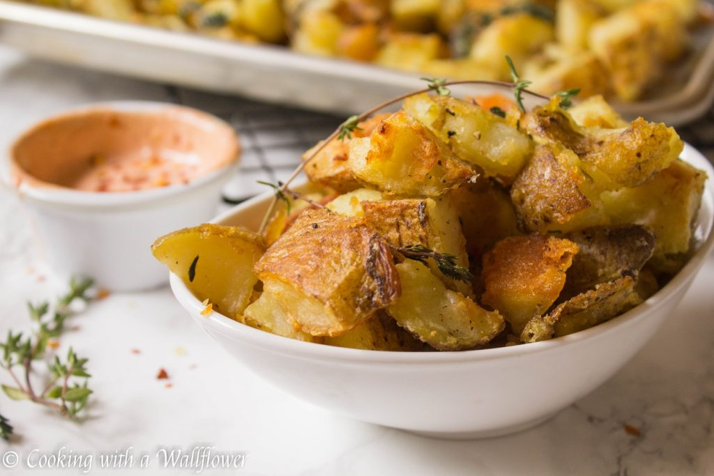 Crispy Roasted Garlic Thyme Potatoes | Cooking with a Wallflower