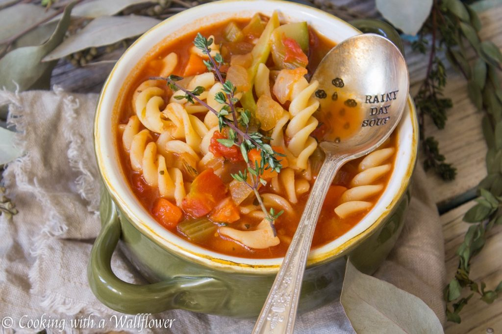 Hearty Vegetable Rotini Tomato Soup | Cooking with a Wallflower