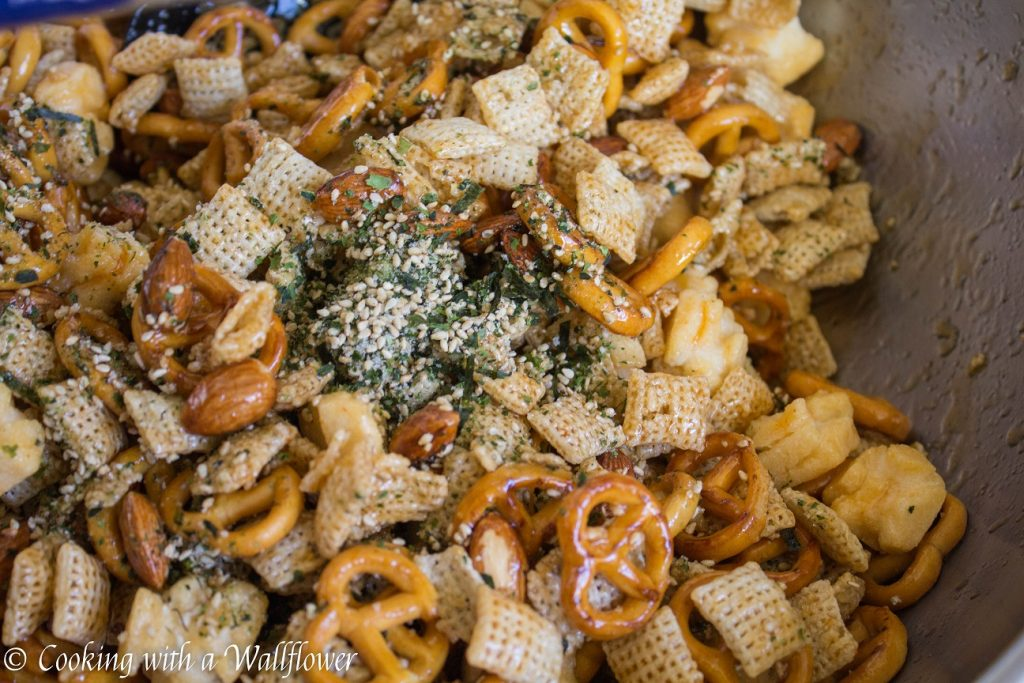 Sriracha Furikake Chex Mix | Cooking with a Wallflower 1