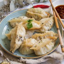 Garlic Chicken Spinach Dumplings | Cooking with a Wallflower