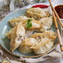 Garlic Chicken Spinach Dumplings | Cooking with a Wallflower