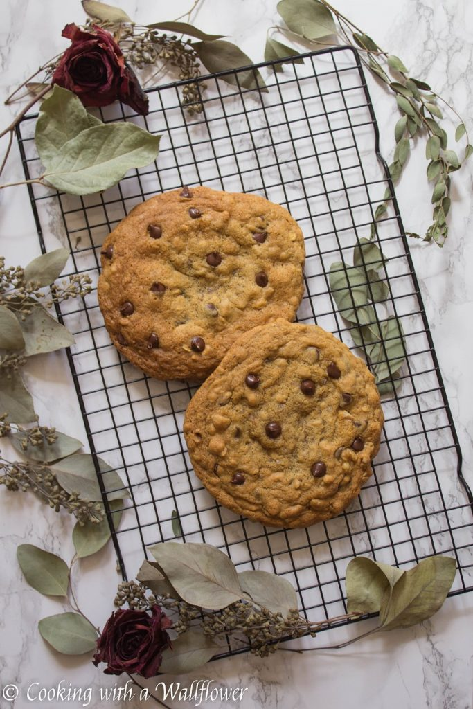 Giant Walnut Chocolate Chip Oatmeal Cookies | Cooking with a Wallflower