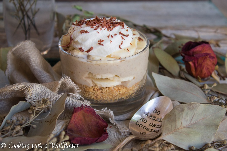 Small Batch Banana Cream Pie | Cooking with a Wallflower