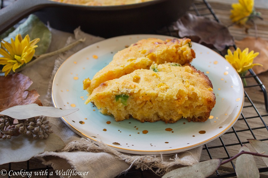 Cheddar Jalapeno Mochi Cornbread | Cooking with a Wallflower